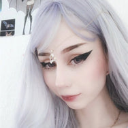 Review For Harajuku Lolita Bleaching Grey Long Curly Wig YV42408