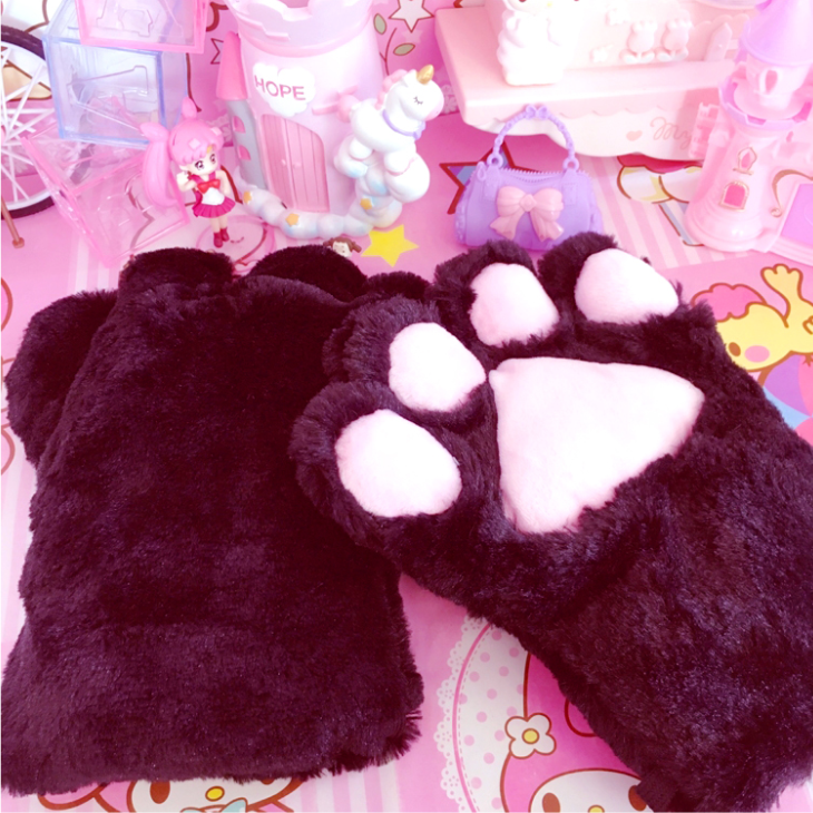 Plush cat's claw gloves YV43850