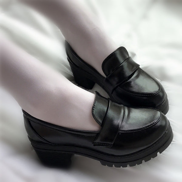 Cosplay thick with black shoes yv40574