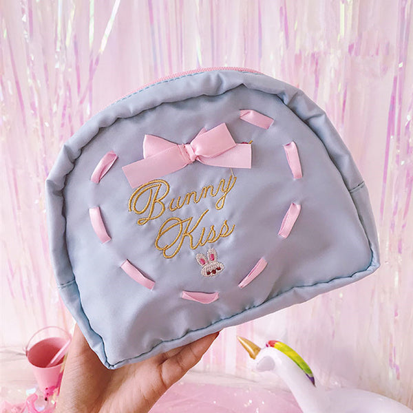 Embroidered bow cosmetic bag YV41068