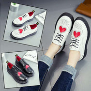 Black/white heart oxford shoes yv6015