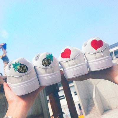 Pineapple and heart sneakers yv508
