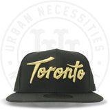 "New Era 59FIFTY - Toronto Raptors ""Toronto"" Black-Urban Necessities"