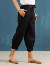 Load image into Gallery viewer, Lenora Pintuck Pants in Black