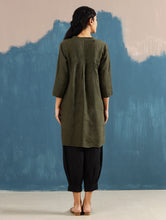 Load image into Gallery viewer, Satori Pleated Tunic in Olive