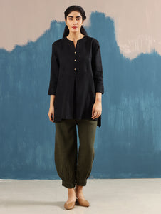 Roshi Linen Top in Black