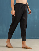 Load image into Gallery viewer, Zendo Cropped Pants in Black