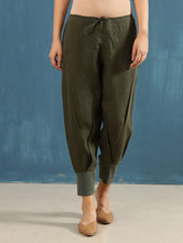 Load image into Gallery viewer, Zendo Cropped Pants in Olive