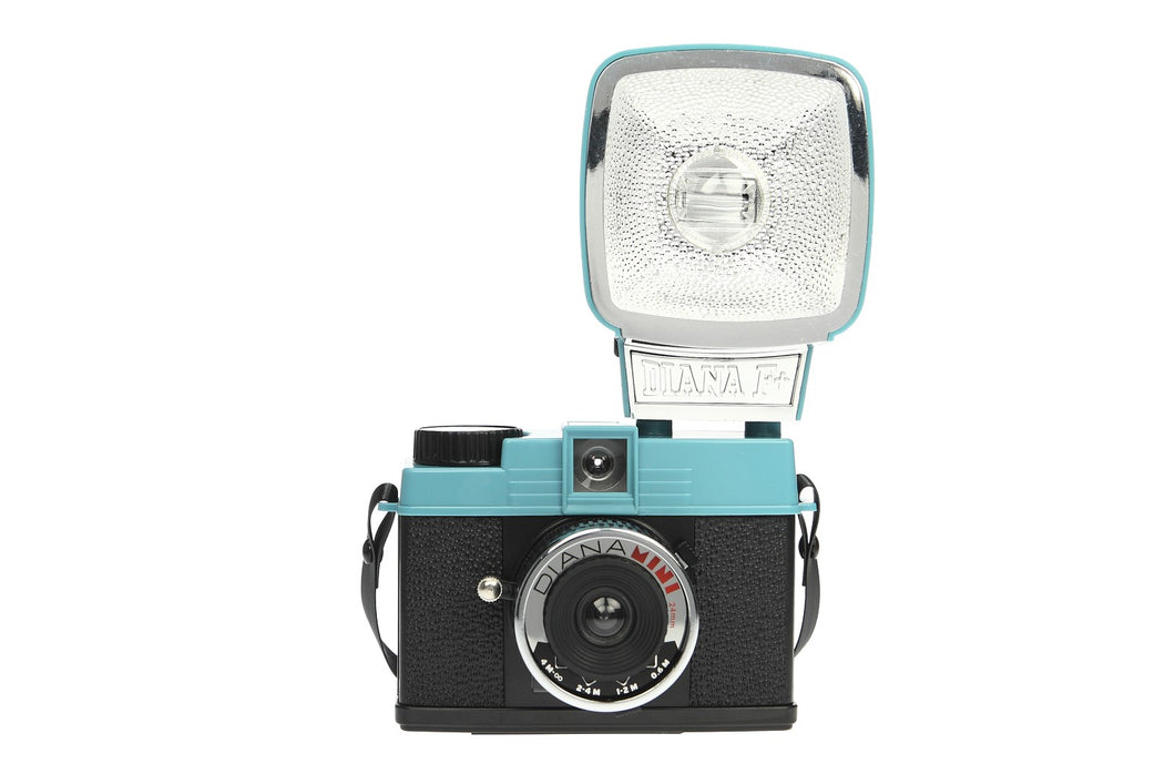 LOMO DIANA MINI AND FLASH PACKAGE (HP550)