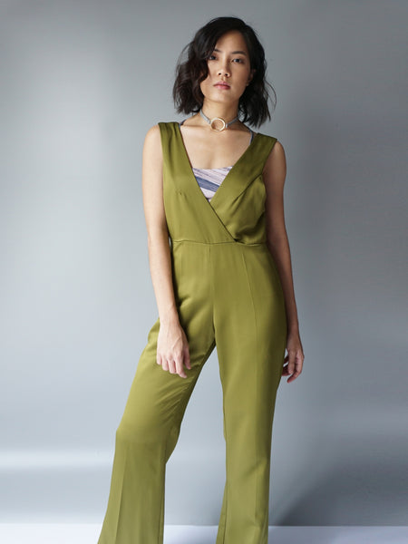 Olive pocketed vneck silk jumpsuit model