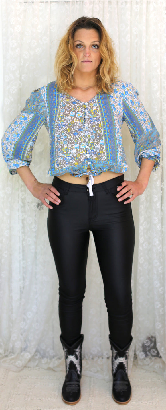 Isla Top Blue Floral