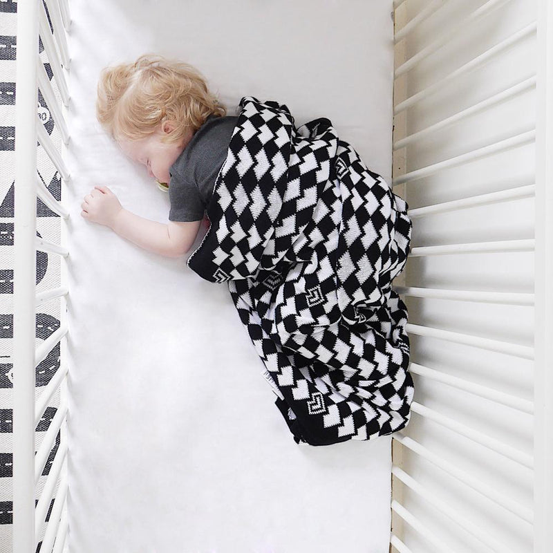 100% COTTON KNITTED HEART BLANKET, MONOCHROME