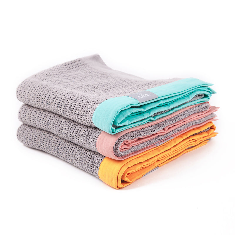 MAMA DESIGNS GREY CELLULAR BLANKETS
