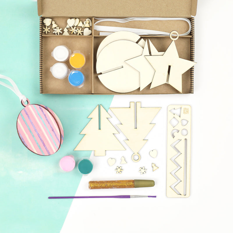 MAKE YOUR OWN CHRISTMAS DECORATIONS CRAFT ACTIVITY BOX