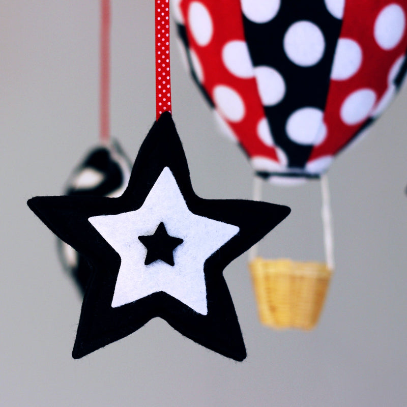 DEVELOPMENTAL HIGH CONTRAST RED BLACK WHITE HOT AIR BALLOON BABY CEILING MOBILE