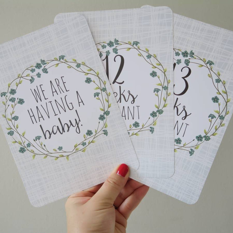 BLUE FLORAL PREGNANCY MILESTONE CARDS