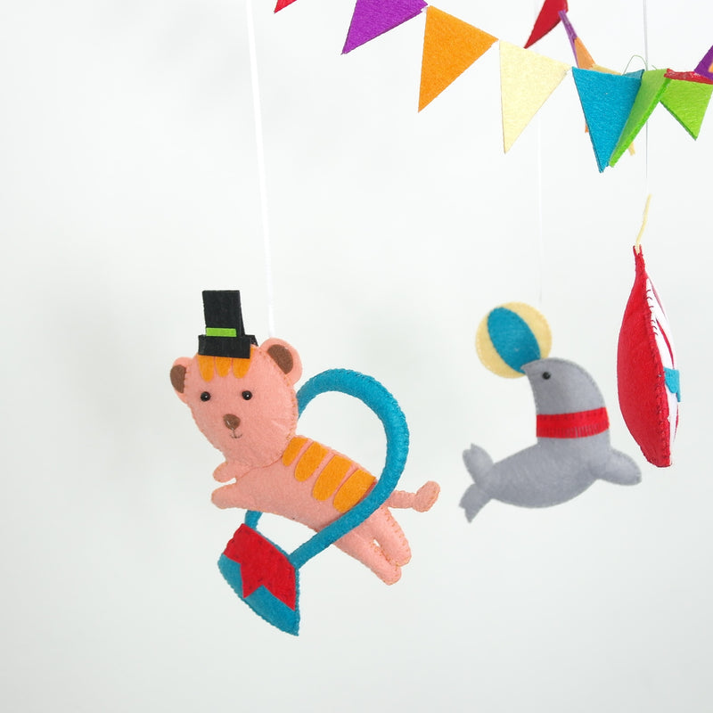 CIRCUS THEMED BABY MOBILE