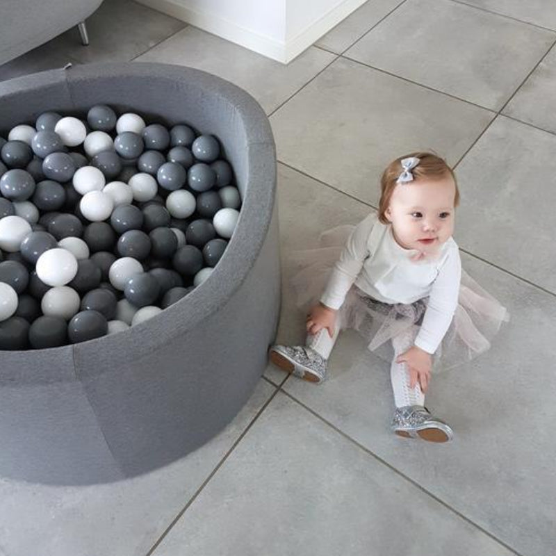 GREY ROUND JERSEY BALL PIT - TURQUOISE, GREY & WHITE BALLS