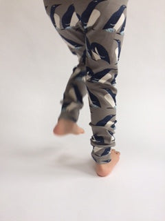 "Organic cotton""Penguin Huddle"" leggings"