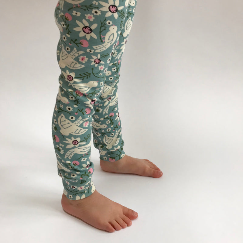 "Eddie & Bee organic cotton leggings in Mineral ""Tweet Tweet"" print"
