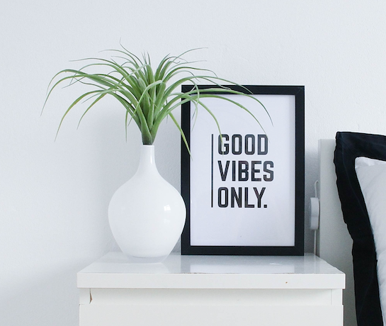 'GOOD VIBES ONLY' TYPOGRAPHIC PRINT