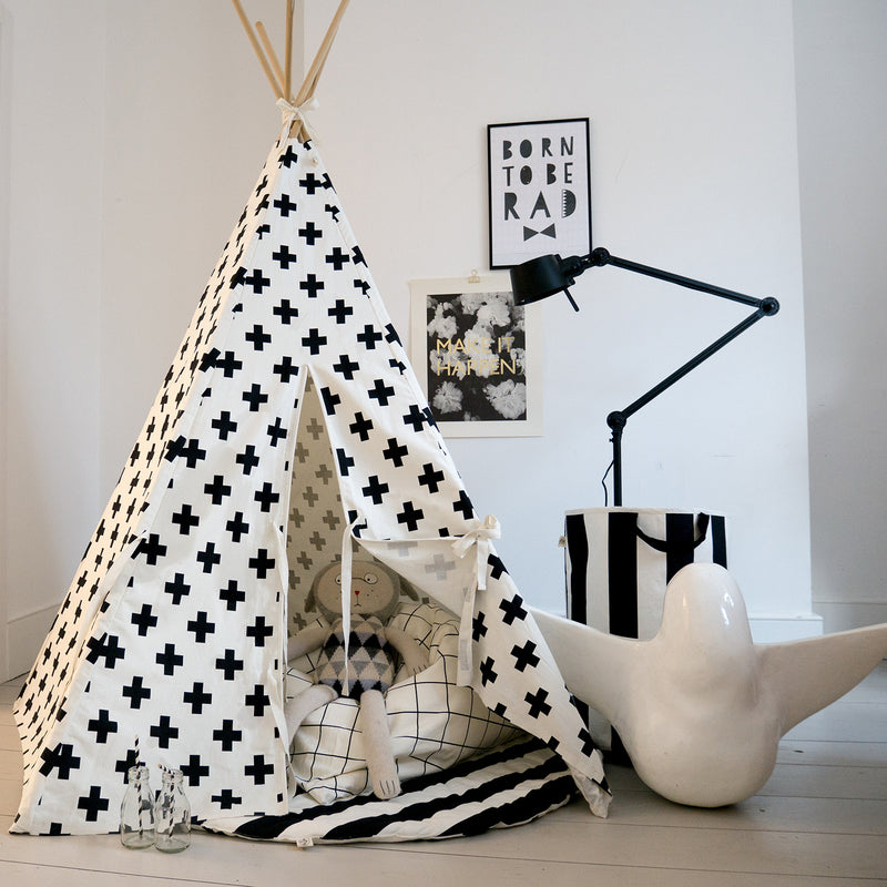 WILDFIRE Cross Monochrome Teepee