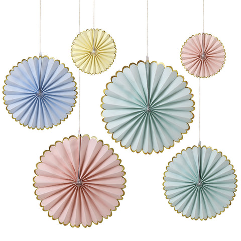 Pastel Gold Egde Pin Wheels