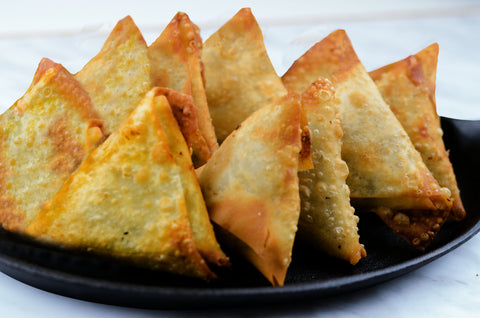 Hand Made Premium Chicken Samosas - 9 pcs  (Ready to Fry)