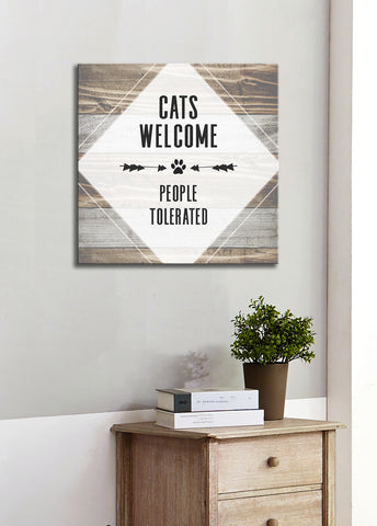 Pet Lovers Wall Art: Cats Welcome (Wood Frame Ready To Hang)