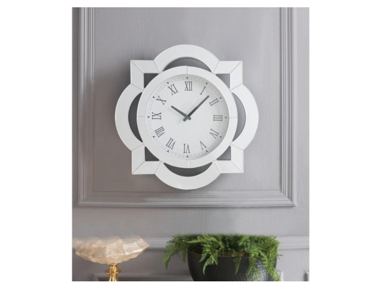 Wall Clock: Wood Round Analog Wall Clock