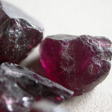Load image into Gallery viewer, Garnet Raw Crystal Pieces - Song of Stones