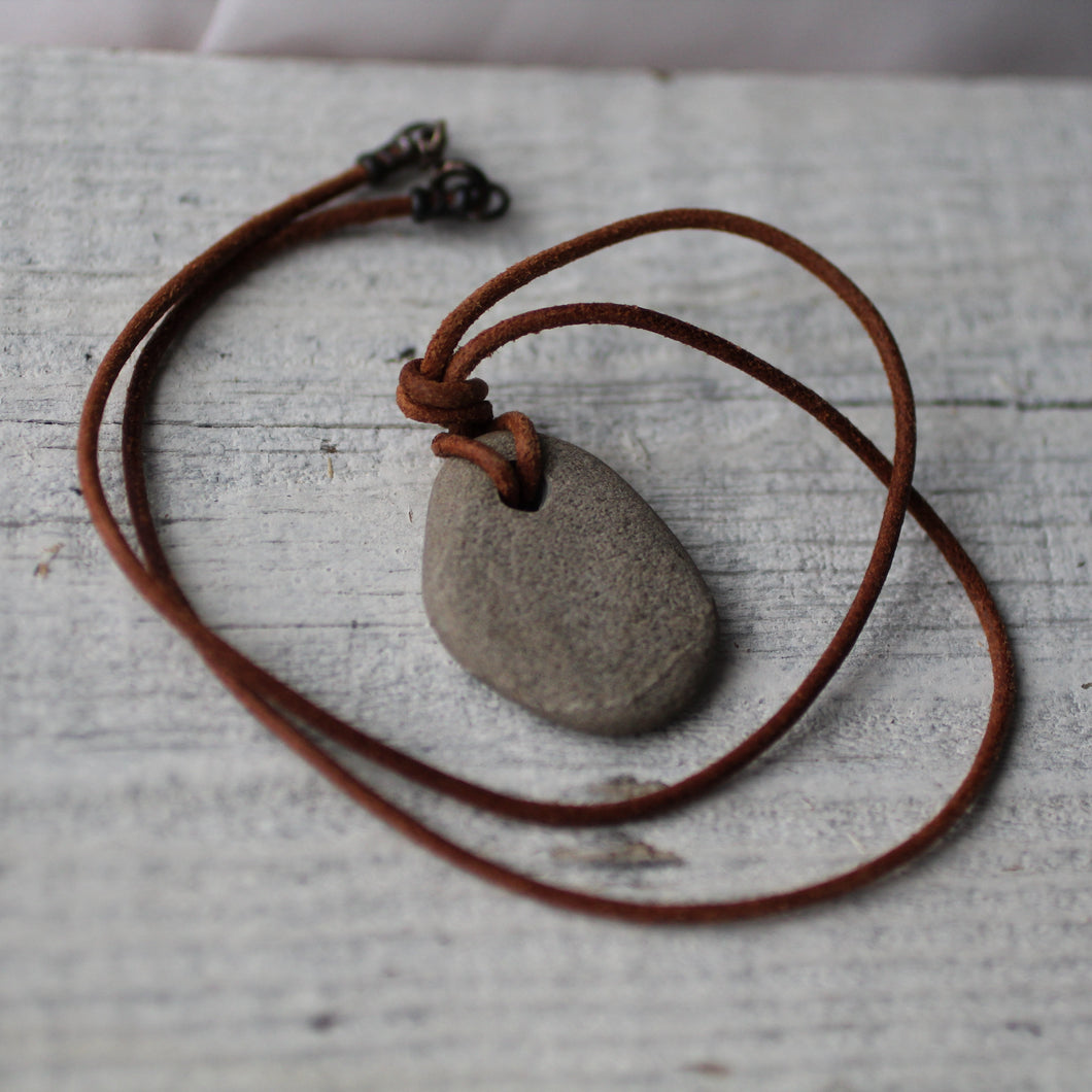 Beach Stone Pendant - Song of Stones