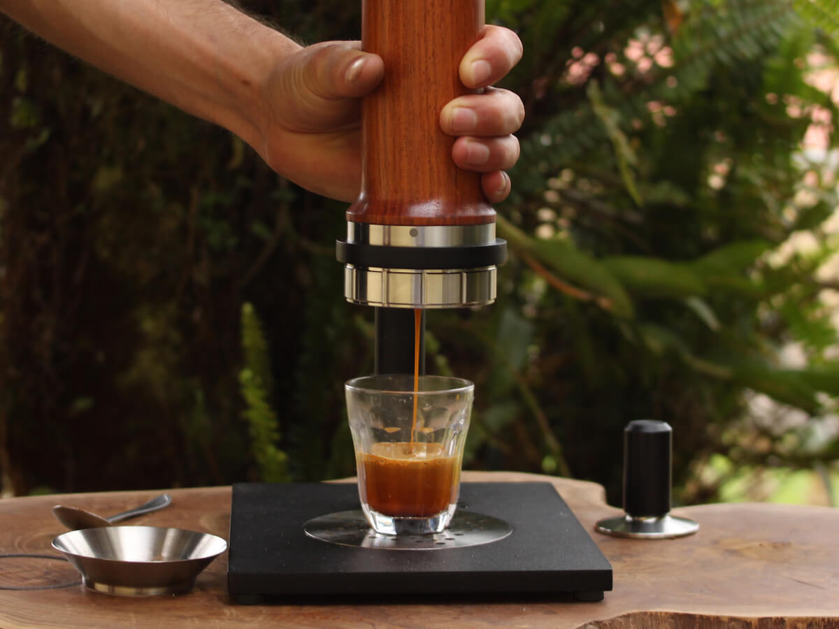 Aram | Espresso Maker w. Steel Support - Jatoba