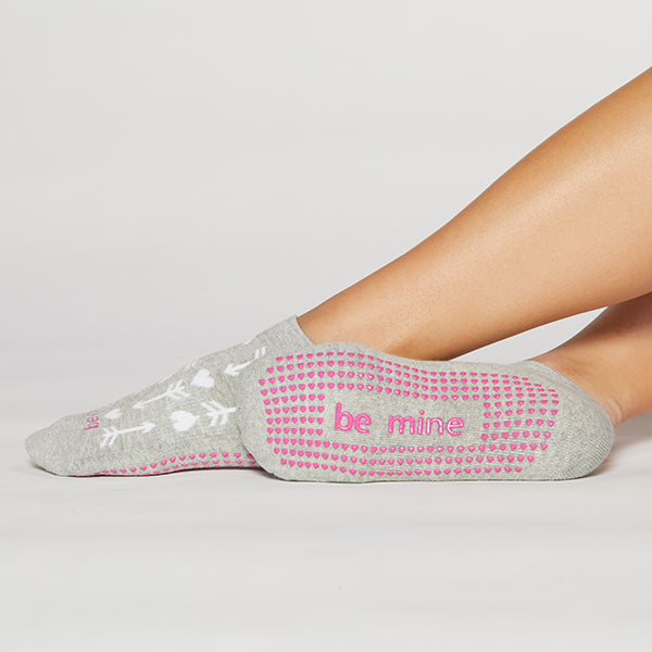 Be Mine Grip Socks (heather w/arrows)