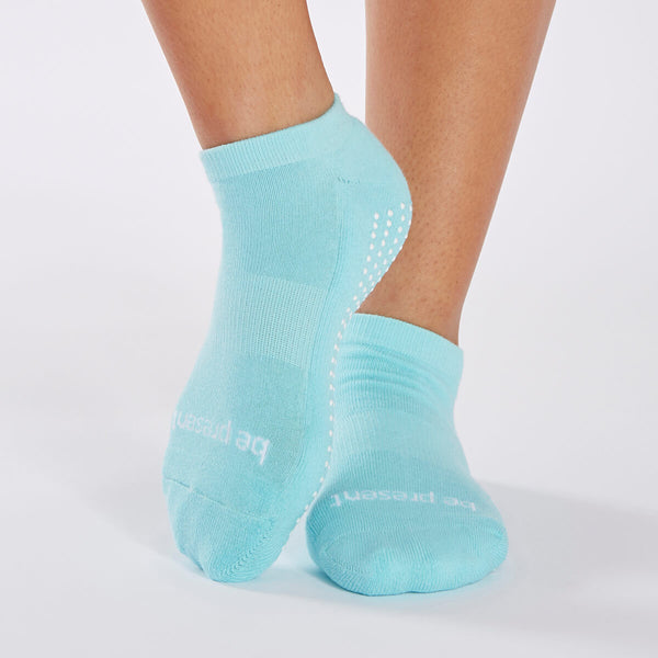 Be Present Grip Socks (Aqua/White)