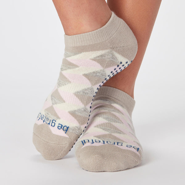 Be Grateful Bella Diamond Grip Socks (Blush)