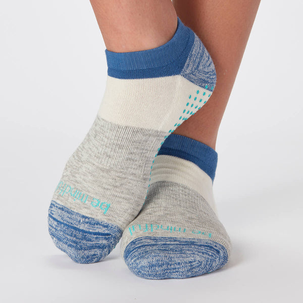 Be Mindful Dylan Colorblock Grip Socks (Breeze)