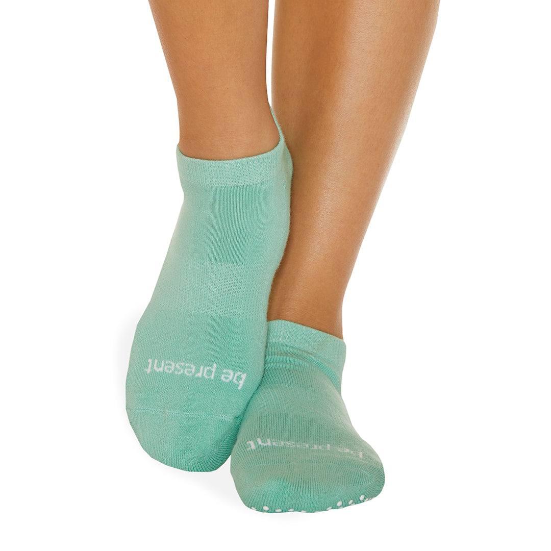 Be Present Grip Socks (Seafoam/White)