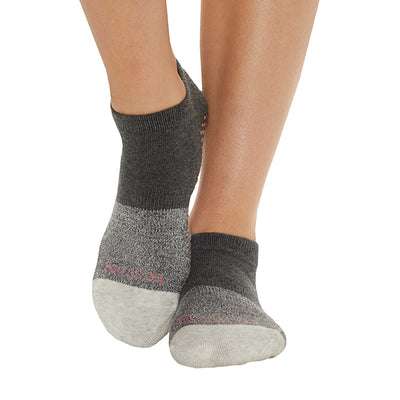 Be Strong Chloe Grip Socks (Shadow)