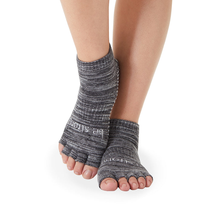HALF TOE Be Strong Marbled Grip Socks (Ash)