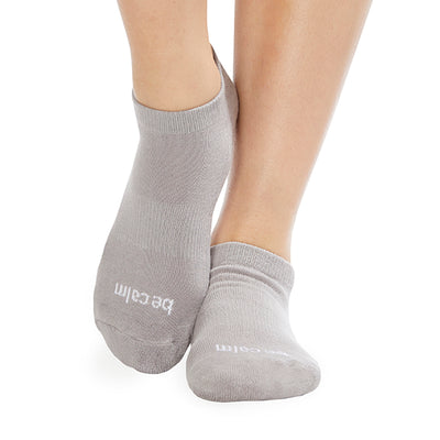 Be Calm Grip Socks (Stone Grey/White)