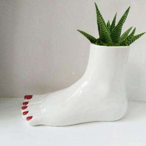 PLANTDADDY FOOT PLANTER