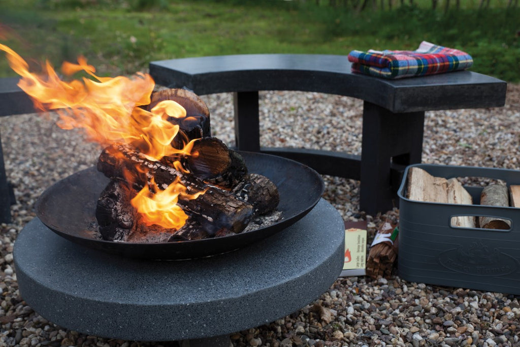 Firebowl on round granito base