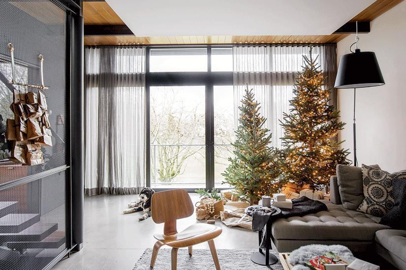 Get your home ready for Christmas with these Curtain Rod Bracket ideas