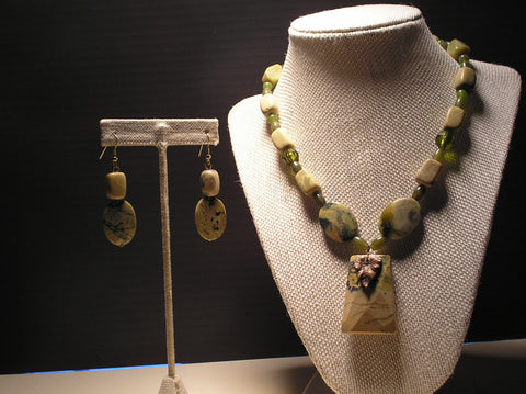 S2-004/GREEN MOSS AGATE NECKLACE WITH MATCHING EARRINGS