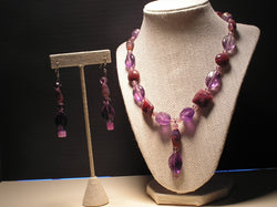 S2-006/PURPLE GLASS AND ACRYLIC BEADS WITH PENDANT AND MATCHING EARRING/