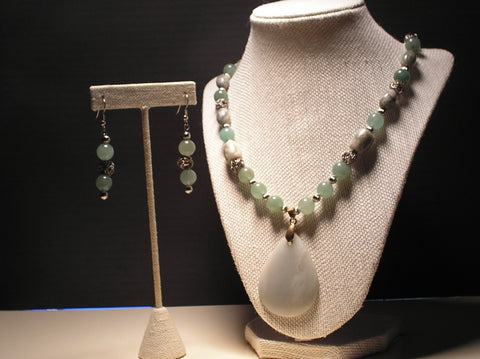 S2-018/NEW JADE PENDANT WITH GREEN MOSS AGATE AND MATCHING EARRINGS