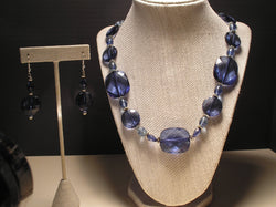 S2-021/CRYSTAL FASCETED BLUE ACRYLIC NECKLACE WITH MATCHING EARRINGS