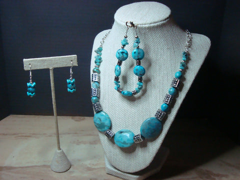 S3-003/TURQUOISE NECKLACE WITH MATCHING BRACELET AND EARRINGS