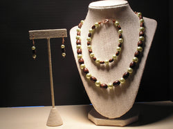 S3-006/GREEN TINTED PEARL AND WOODEN BEAD NECKLACE, BRACELET/EARRINGS.